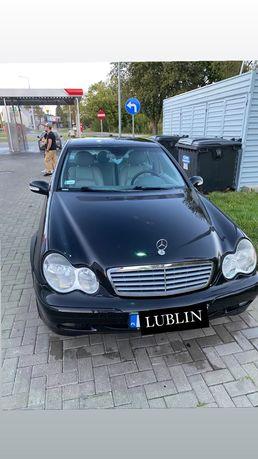 Mercedes Benz C220 W203 (2001R)