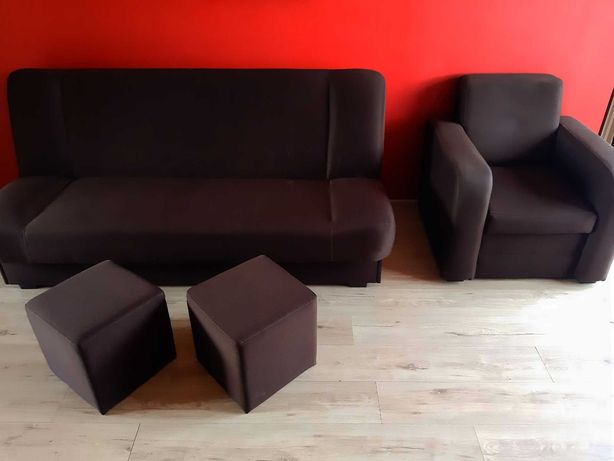 Sprzedam zestaw wersalka + 1 fotel + 2 pufy