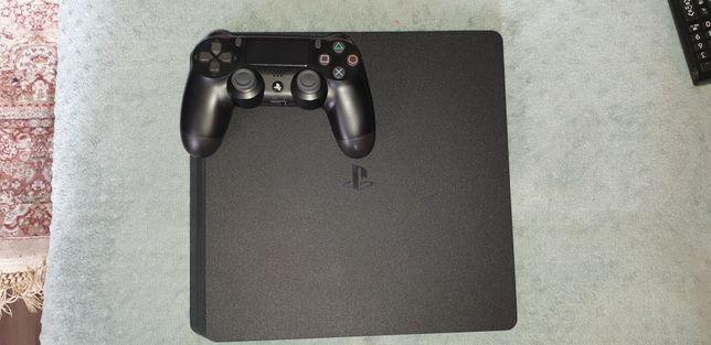 Sony PlayStation 4 Slim 500Gb.
