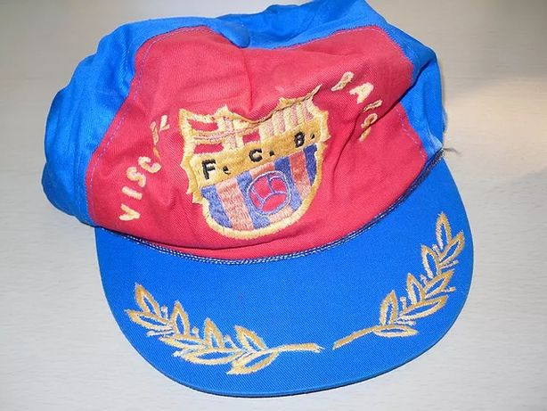 Vários chapéus futebol