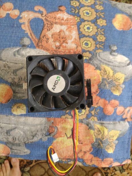 Кулер+радиатор і кріпленя.