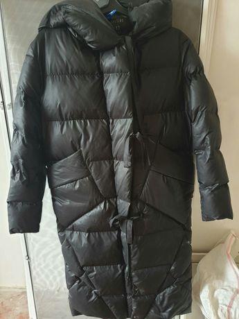 Пальто зимове в гарному стані