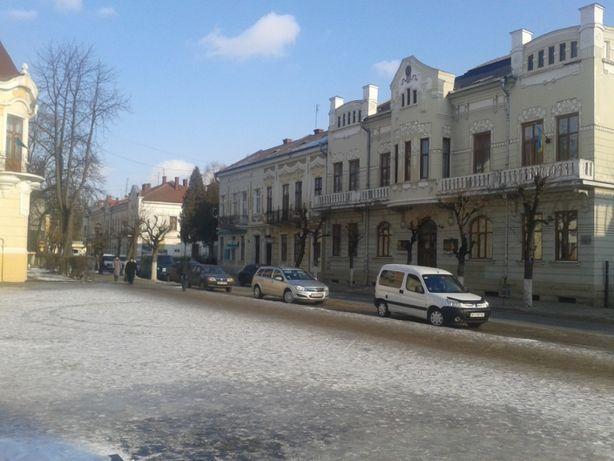 Продамо 2-кімн вартиру в центрі Коломиї, вул.Театральна. Власник!