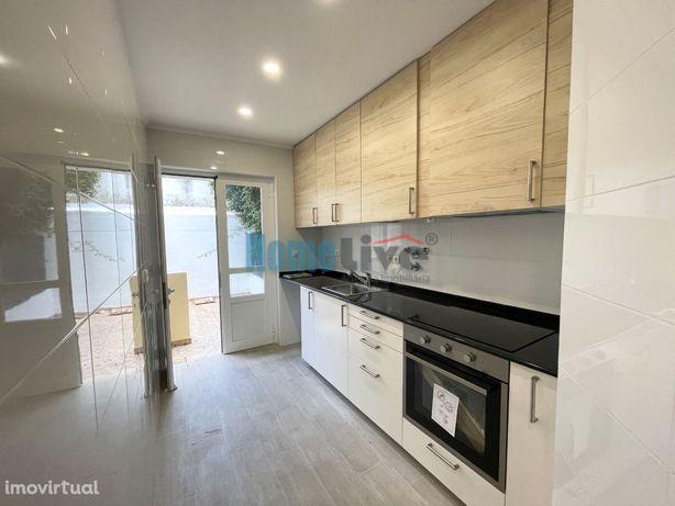 Apartamento T0+1 Remodelado com Logradouro e Anexo São Domingos Benfic