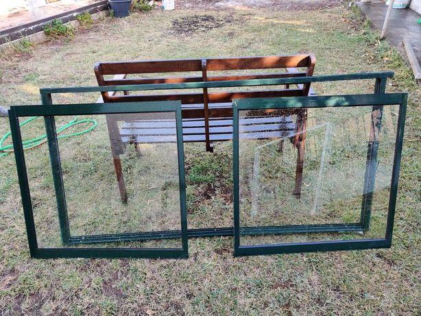 armário em aluminio verde com duas portas de correr
