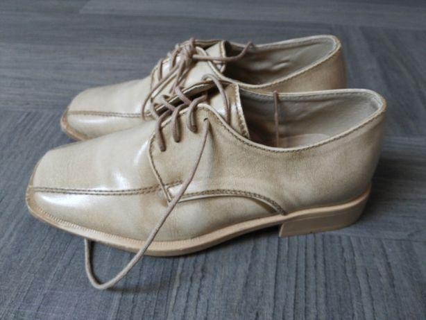 Buty dla chłopca do pierwszej komunii
