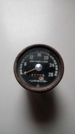 Zabytkowy zegar u r s u s dla kolekcjonera loftt.prl
