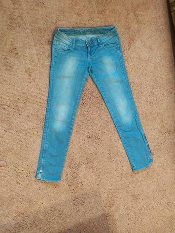 Красивенные джинсы скини штаны S-M