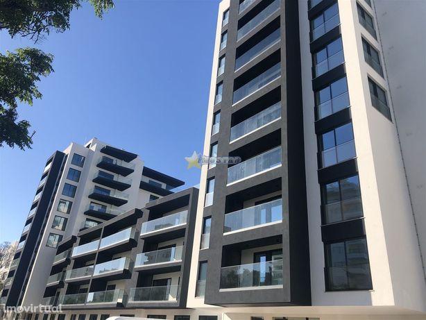 Apartamento T2 c/garagem - Quarteira