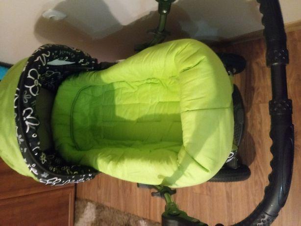 Wózek dzieciecy zielony
