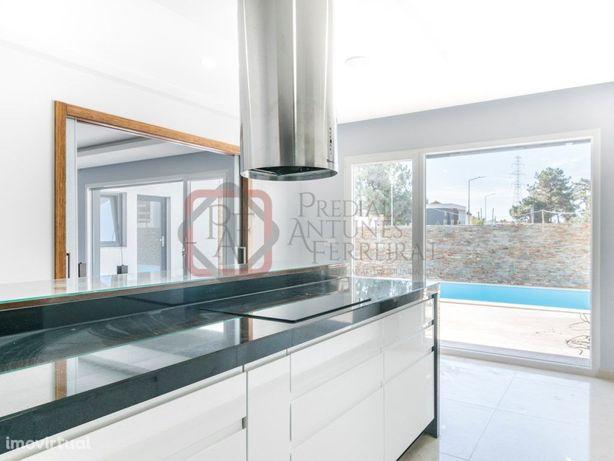 Moradia Geminada T4 Valadares Marisol - 490.000€