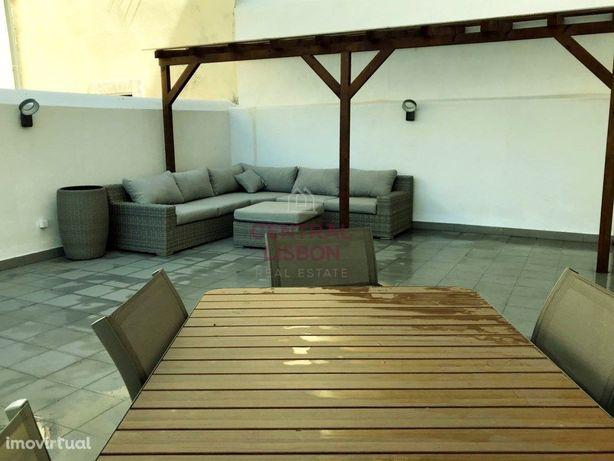 Loft Renovado e Mobilado com Terraço- Costa do Castelo- A...