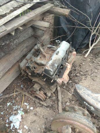 Мотор ЗІЛ 130, Лобове скло