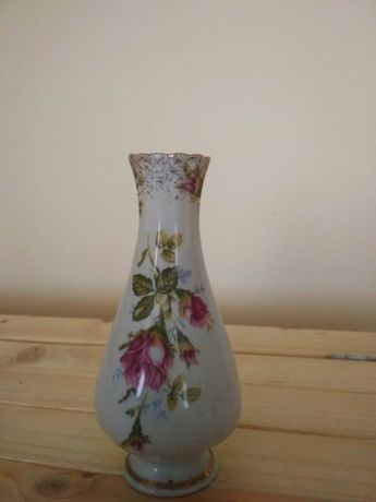 Wazon wazonik porcelana Chodzież kwiaty wysokość 15cm złoto róże, PRL