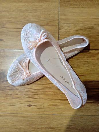 Балетки нові, туфлі