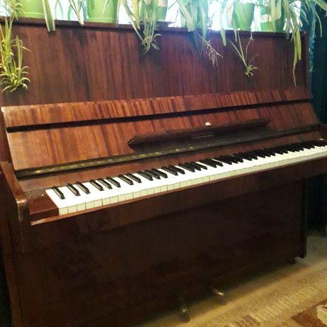 Терміново продам піаніно
