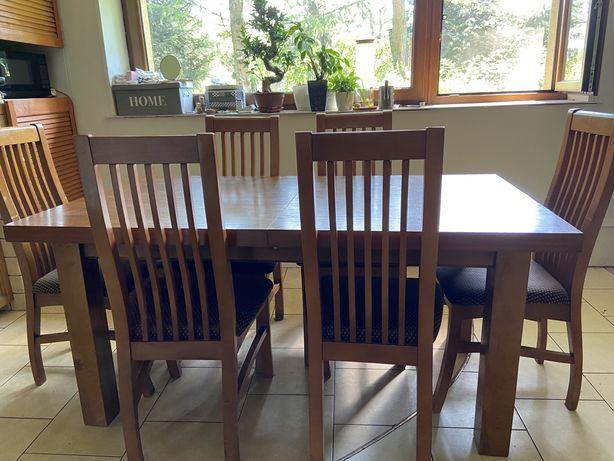 Stół drewniany rozkładany z 6 krzesłami