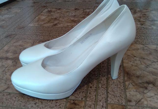 Свадебные туфли, туфли на свадьбу, нарядные туфли, белые туфли