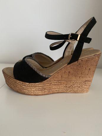Sandalias cunha pretas tamanho 39