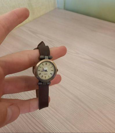 Женские часи наручные наручні жіночий годиник