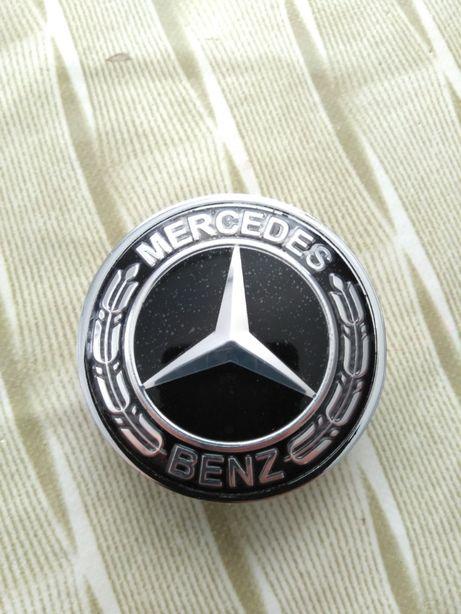 Emblema Mercedes para capô