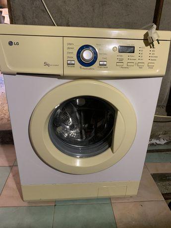 Продаю пральну машину LG