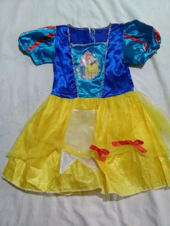 Одяг для дівчинки від 3-5 рочків