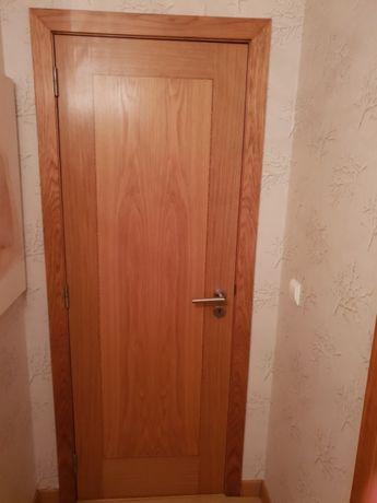 2 Portas em madeira