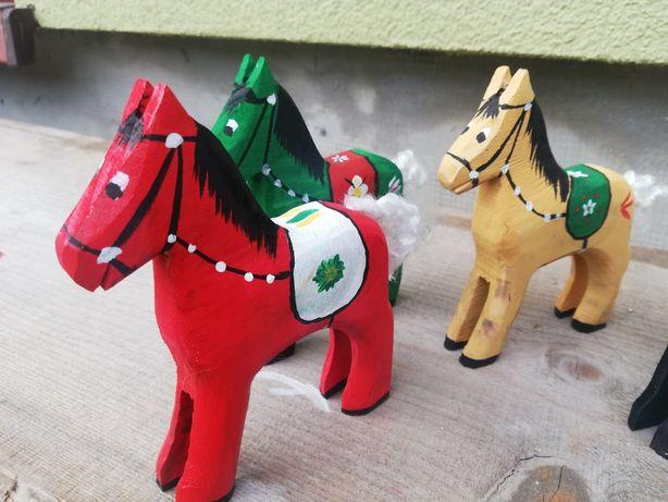 Koń drewniany ręcznie malowany