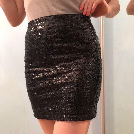 Чорна спідниця з паєтками юбка h&m