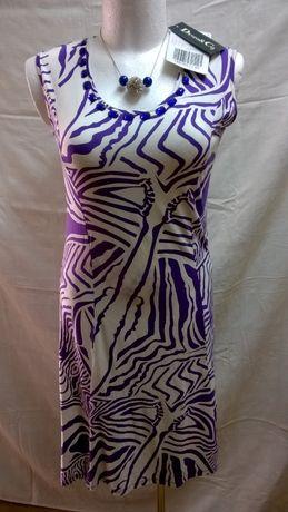 Sukienka z ozdobnymi kamieniami, 44-46