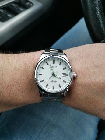 Zegarek na bransolecie z mechanizmem automatycznym