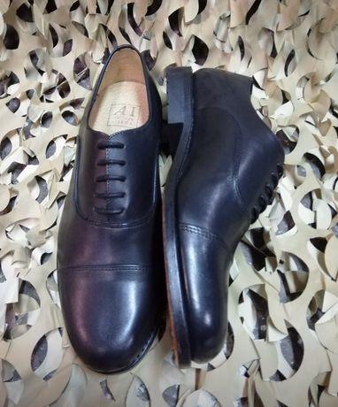 Sapatos pretos e brancos de gala Exército/Colegio militar/pupilos do e