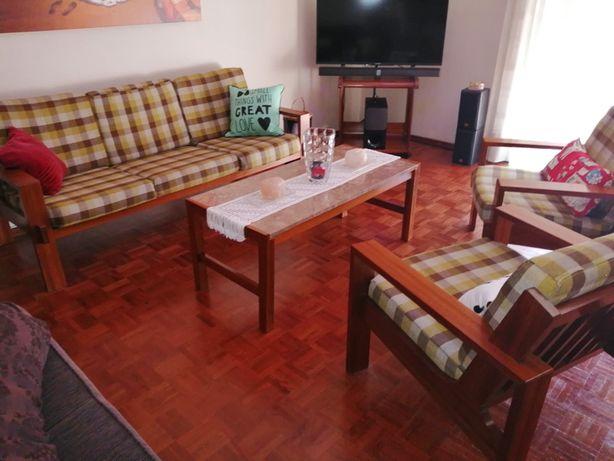 Conjunto 3 Sofá mais 2 Cadeirões Vintage Mesa em Mármore
