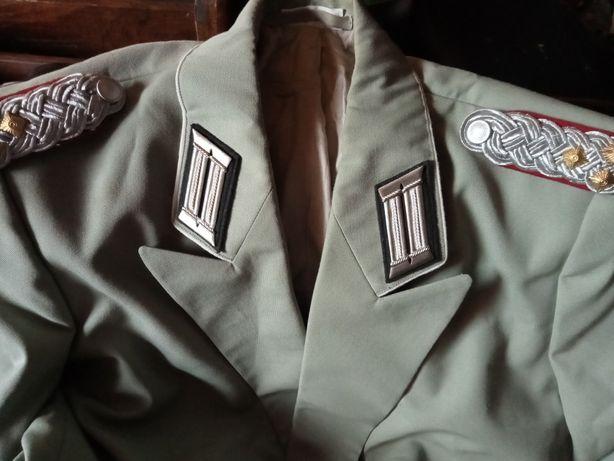 Mundur niemieckiego oficera Generała wojskowy mundur XXw. Niemcy