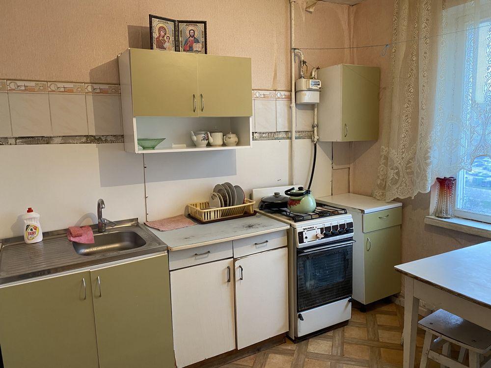 Сдам ПОСУТОЧНО 2 комнатную квартиру в жилом состоянии на Мытнице