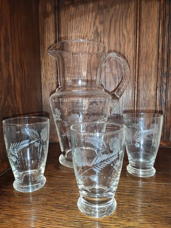 Conjunto de jarro e 3 copos