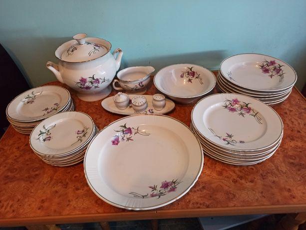Столовой набор посуду тарелки