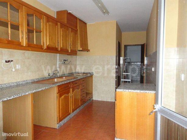 Apartamento em bom estado T2 Refúgio/ Sete Capotes Covilhã