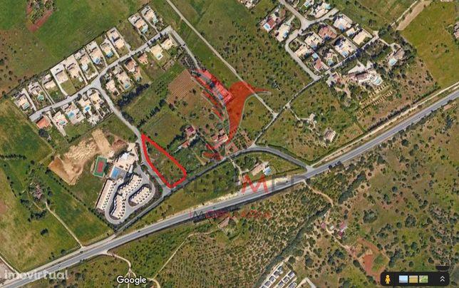 Terreno de 3130 m2 para construção não habitacional