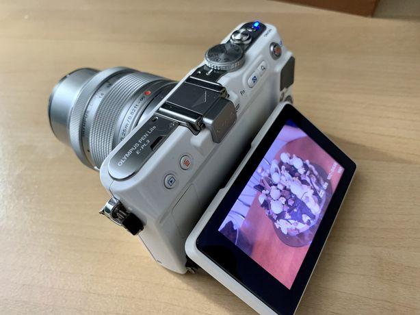 Olympus PEN E-PL3 Biały + 14-42mm