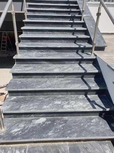 Escadas em pedra marmore