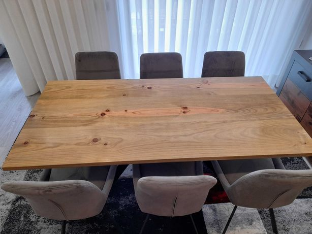 Conjunto mesa e cadeiras sala jantar
