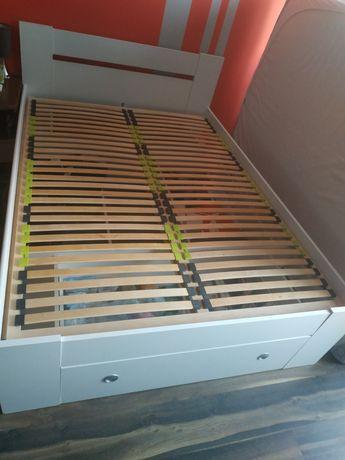 Sprzedam łóżko 140x200 z trzema pojemnymi szufladami
