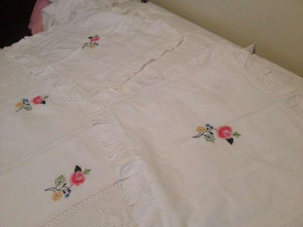 colcha de crochê e bordada cama de casal 140cm largura