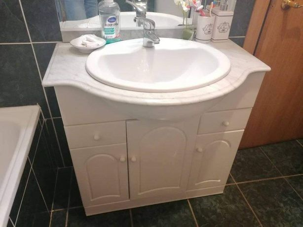Louças /Armários de casa de banho