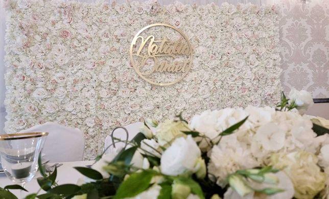 Ścianka kwiatowa / ślubna / tło za Parą Młodą