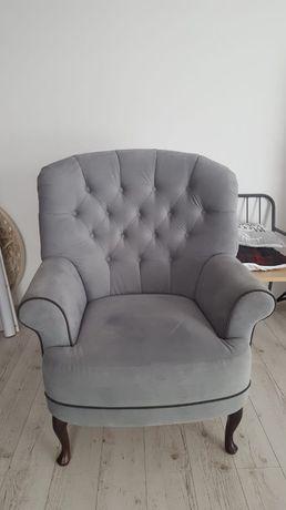 duży fotel ze zdjęcia