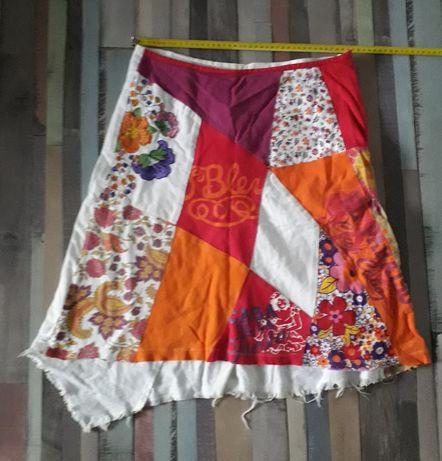 Spódnica kolorowa we wzory z zamkiem kwiaty roz. S / 36 tania