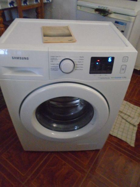 Máquina Lavar roupa Samsung ecobubble WF60F4E0W0W/EP